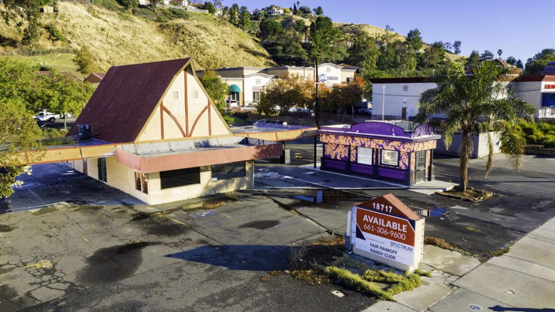 Half-Acre Property in Santa Clarita